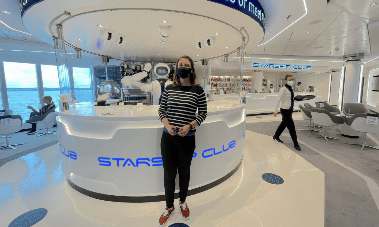 MSC Virtuosa Rob Robot Bartender, Emma Cruises