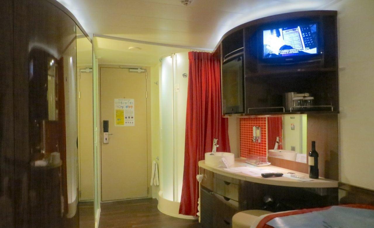 norwegian epic cabin bathroom review